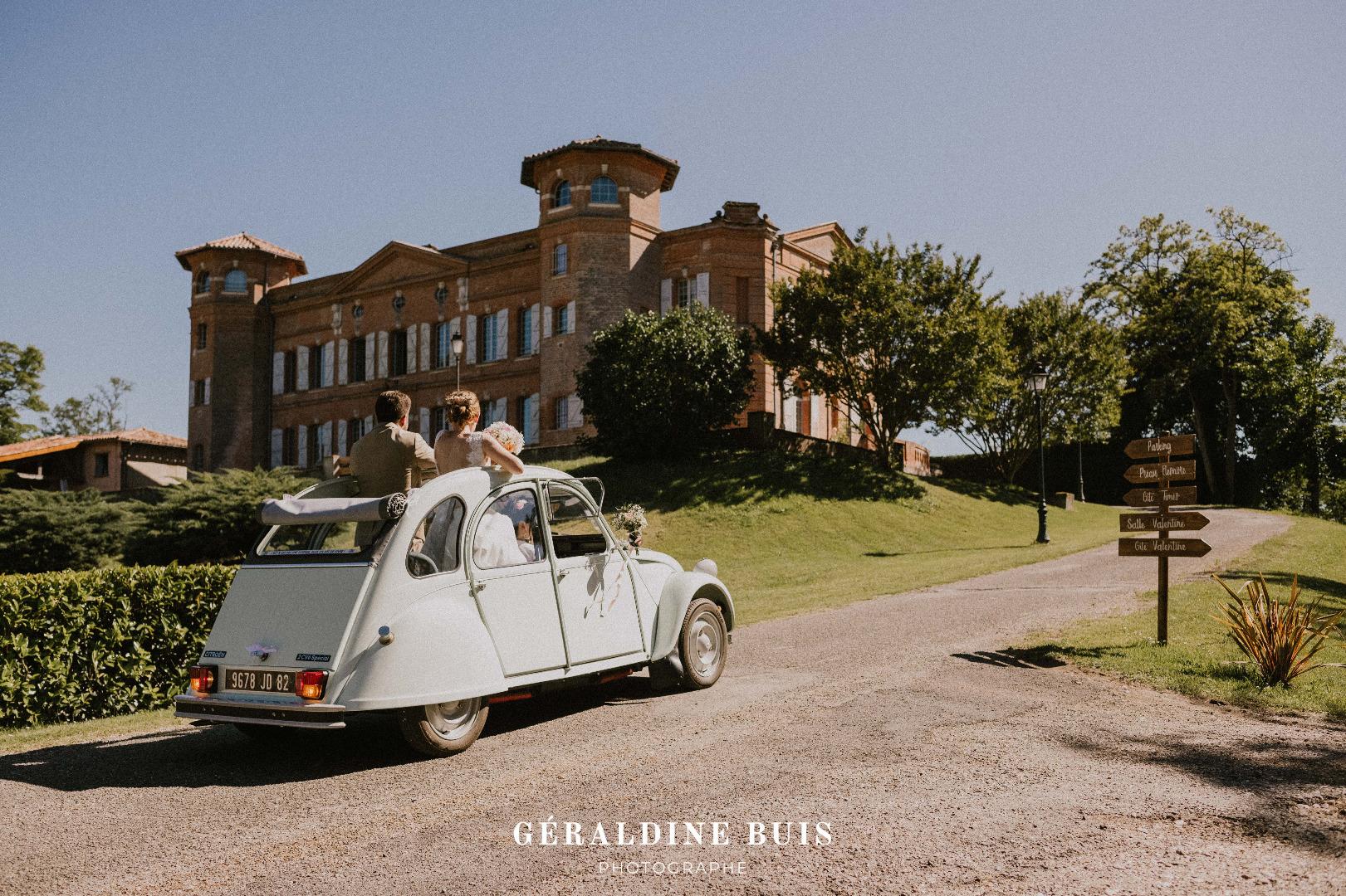 Arrivée des mariés au Château de Loubéjac (82)