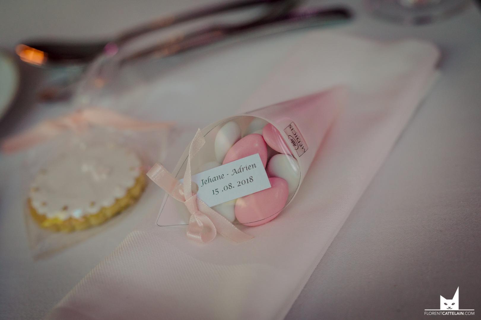 cadeaux invités pot miel - La Dolce Vità, organisation mariage Domaine St Michel Albi.jpg