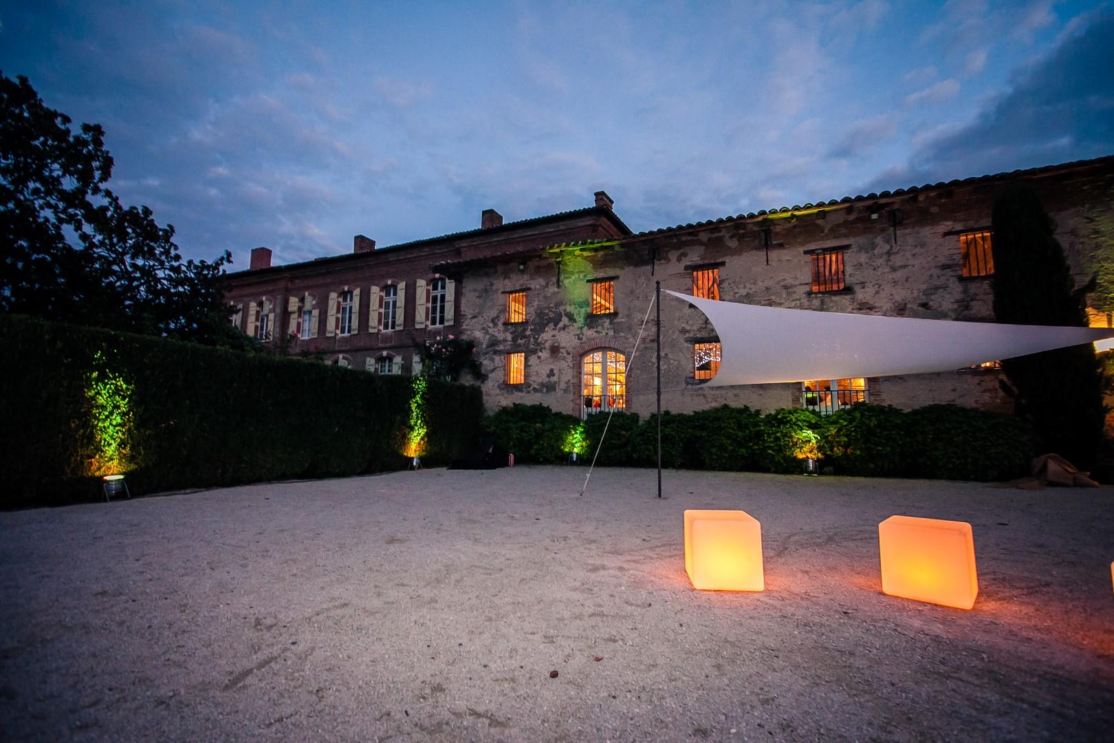 Eclairage verrière La Dolce Vita Organisation de Mariages Toulouse.jpg