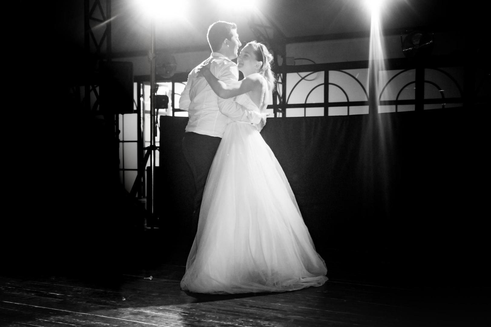 Danse des mariés ouverture de bal La Dolce Vita Organisation de Mariages Toulouse.jpg