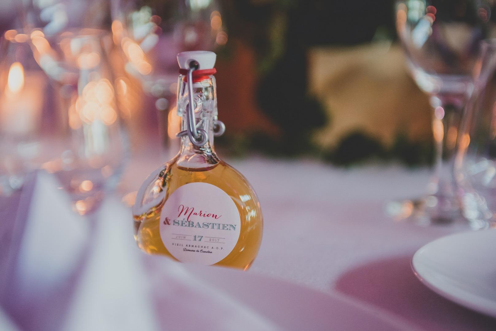 Cadeau invités sablée joliment emballé La Dolce Vita Occitanie organisatrice de mariage.jpg