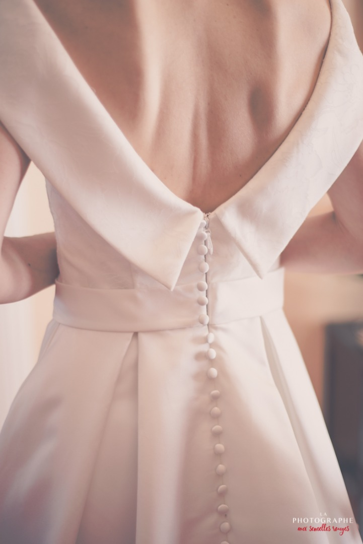 Dos nu chic robe de mariée La Dolce Vita Organisation mariage Toulouse.jpg