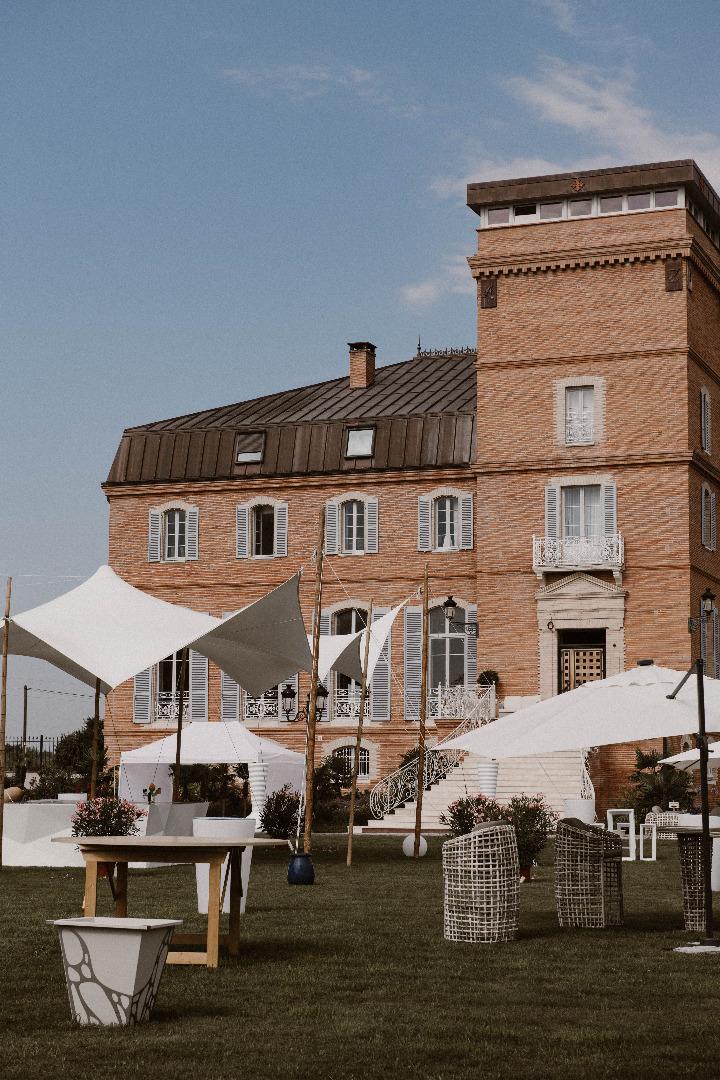 Façade château - mariage organisatrice la dolce vita château de la Garrigue
