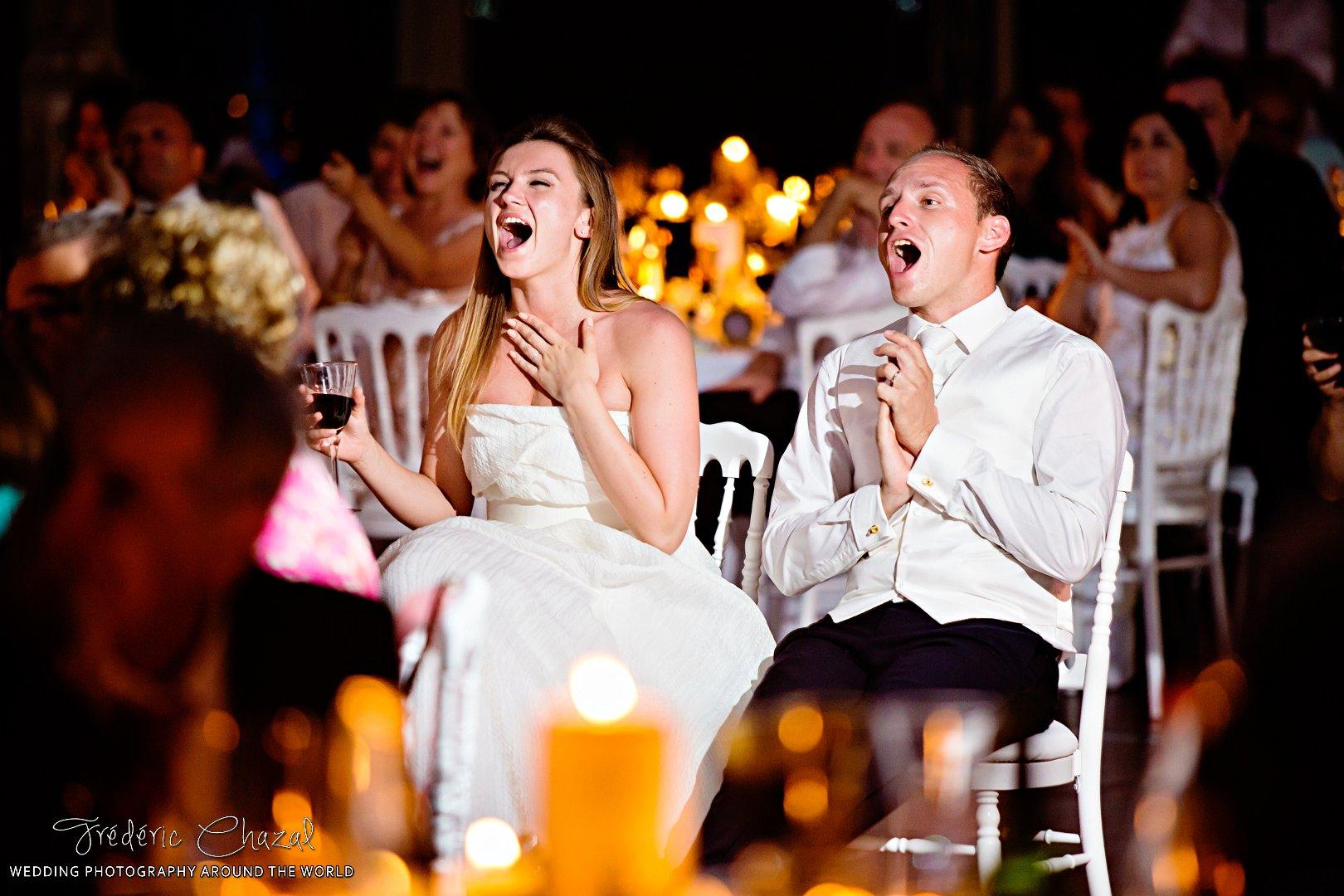 Fou rire des mariés et découverte surprise