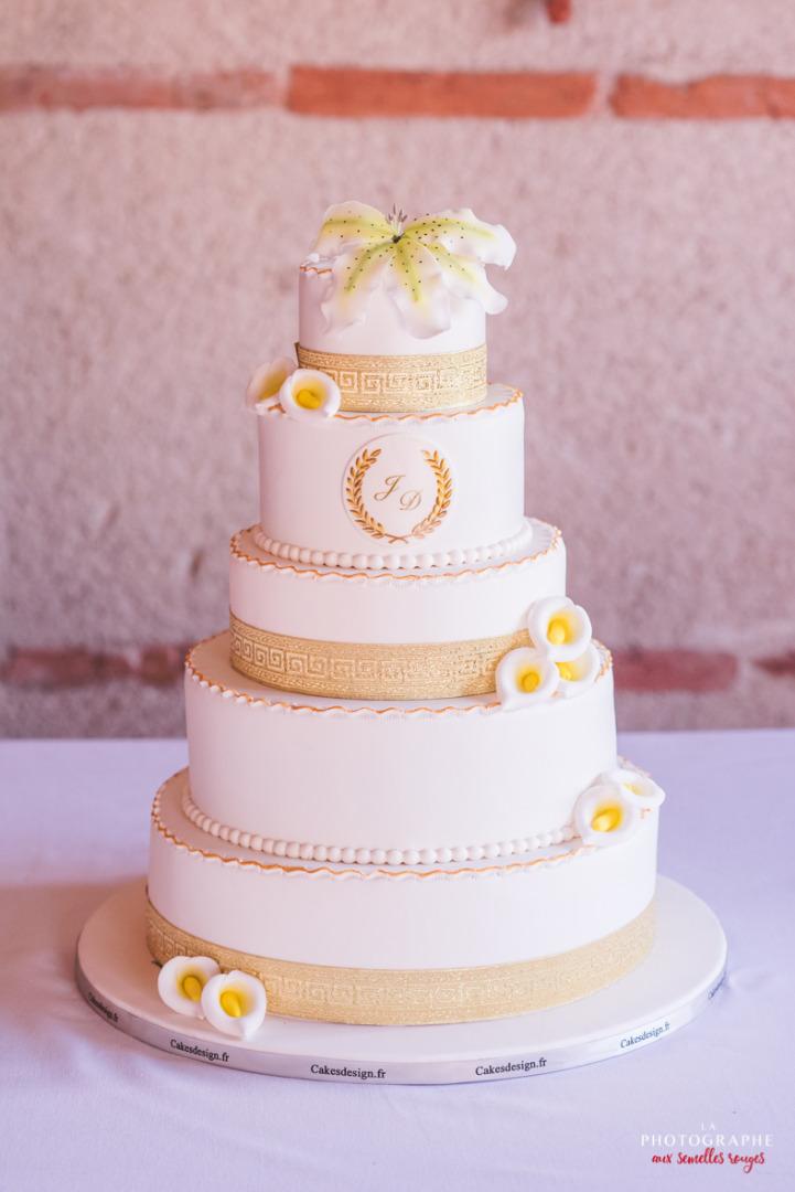 Gateau Wedding Cake blanc et doré - la dolce vità, château saint louis, mariage Montauban Toulouse