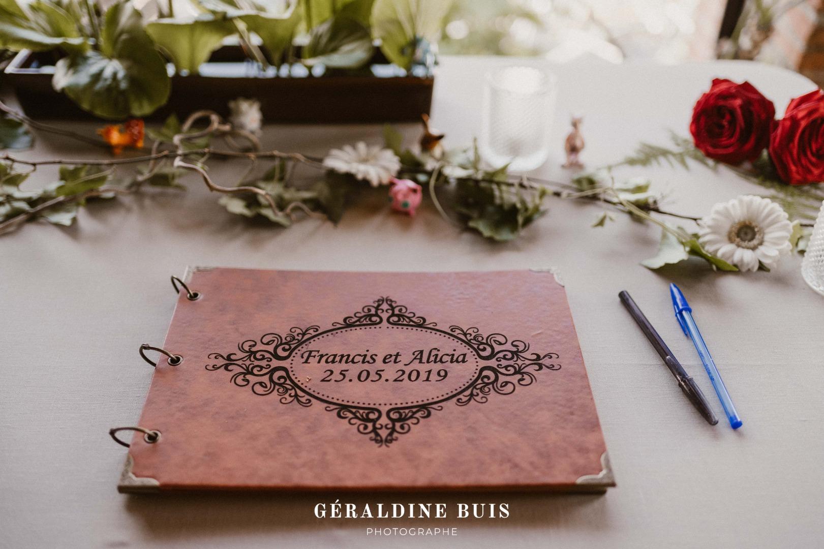 Livre d'or photo personnalisée La Dolce Vita Organisation de Mariages Toulouse.jpg