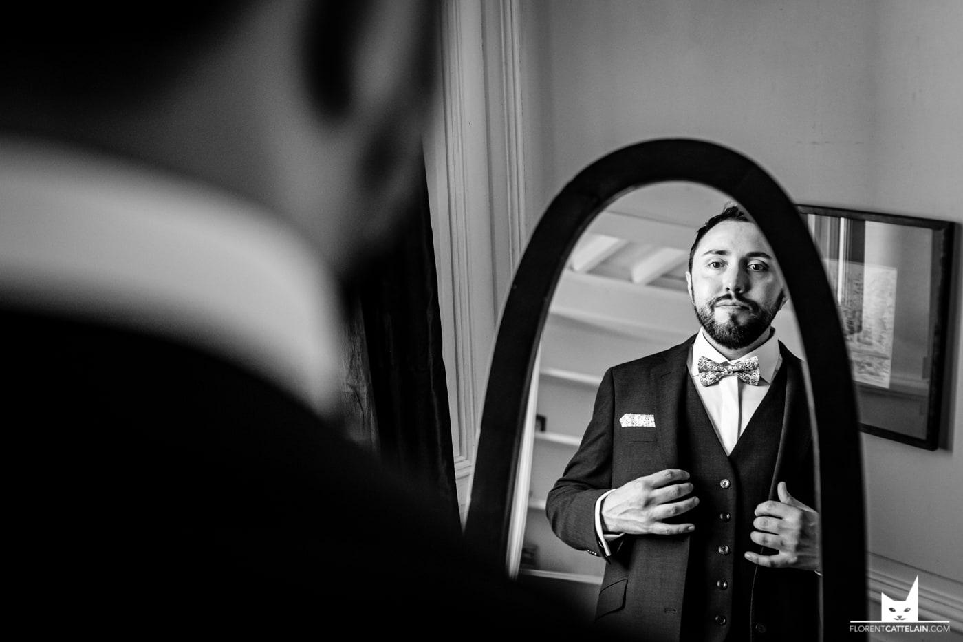 Marié devant le miroir La Dolce Vita Organisation mariage Toulouse.jpg