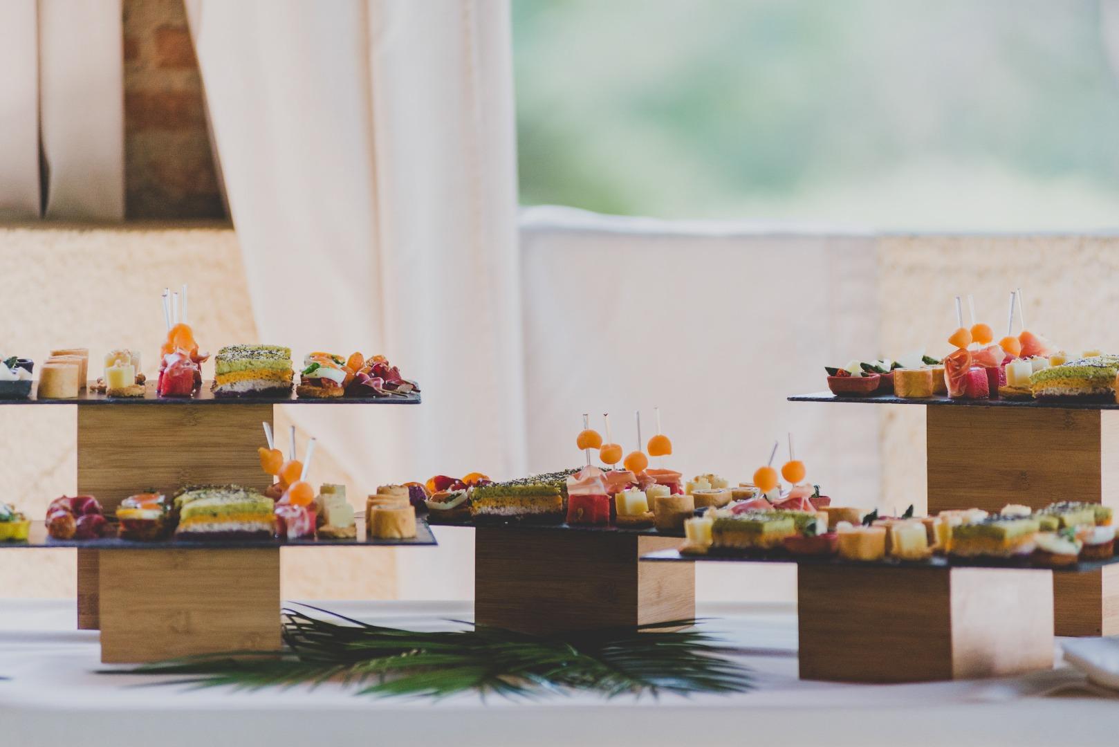 Pièces cocktail du Vin d'honneur Wi's Traiteur - Wedding planner La Dolce Vità, Château de Loubejac à Montauban.jpg
