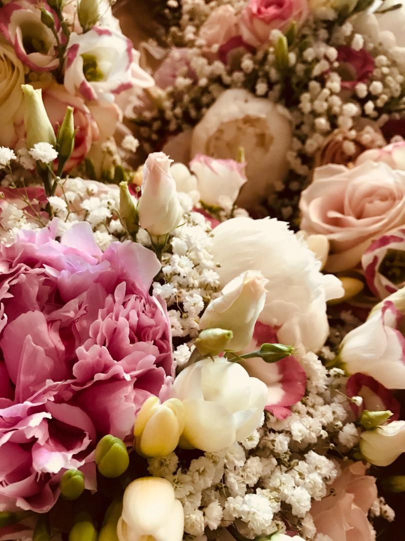 pivoine rose blanc vert La Dolce Vita Organisation Mariage Toulouse.JPG