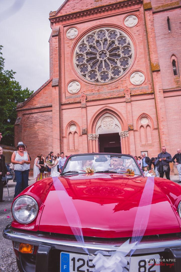 Sortie d'église - la dolce vità, château saint louis, mariage Montauban Toulouse