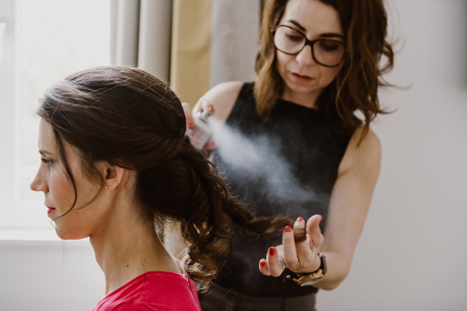 Spray final coiffure mariée La Dolce Vita Organisation Mariages Toulouse.jpg
