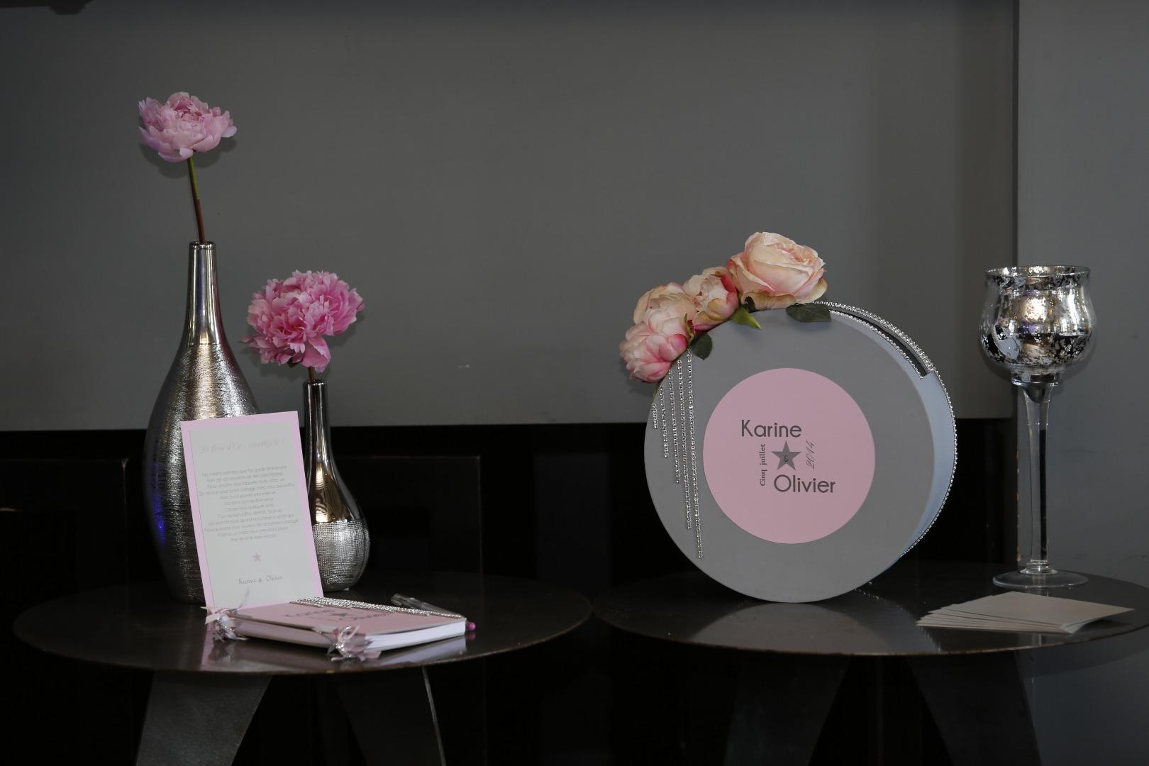 Table des dons rose La Dolce Vita Organisation de Mariages Toulouse.jpg