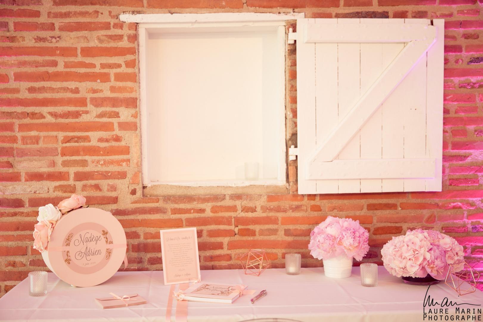 Table des dons simple La Dolce Vita Organisation de Mariages Toulouse.jpg