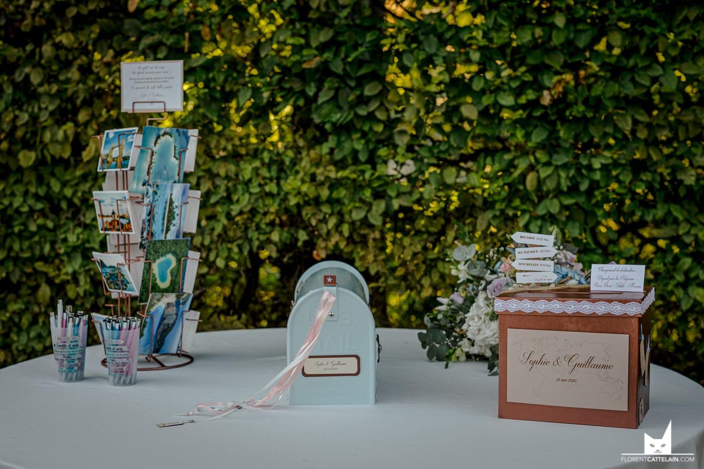 Tables des dons gold et plantes La Dolce Vita Organisation de Mariages Toulouse.jpg